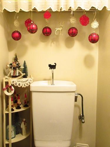 クリスマスディスプレイ・トイレ2.jpg